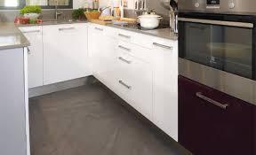 sols de cuisine appliquer soi même un béton ciré sur du carrelage