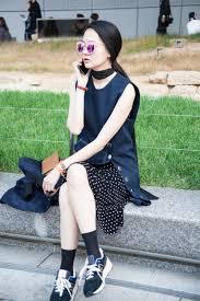 SeoulFashionWeek SS16 Street Style Mirrored Sunglasses 2