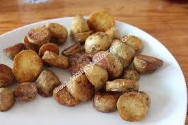 cuisiner des pommes de terre nouvelles pommes de terre nouvelles sautées à la poêle accompagnements