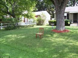 Michelle Obama Empty Chair by Republican Supporters Celebrate U0027national Empty Chair Day U0027 On