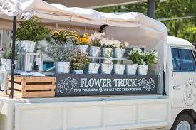 Amelias Flower Truck Is My New Favorite Place In Nashville It Absolutely The Most Adorable Thing I Have Ever Seen