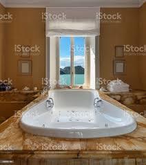 schöne badezimmer mit whirlpool stockfoto und mehr bilder 2015