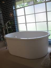 Who Makes Mirabelle Bathtubs by 60 Inch Tub With Lots Of Legroom