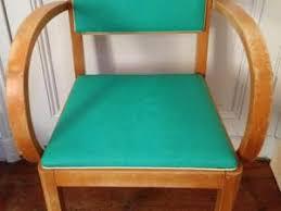 peinture pour canapé en tissu peindre sur un fauteuil en tissus par poudredetoiles