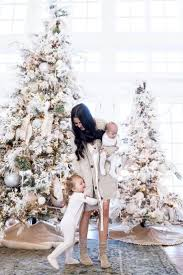 Frontgate Christmas Tree Replacement Bulbs by Best 25 Flocked Christmas Trees Ideas On Pinterest Artificial