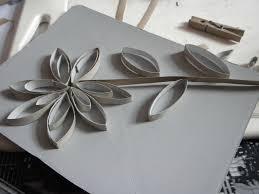 décoration fleur en rouleaux papier toilette ou autres vides