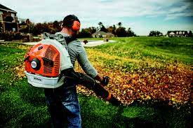 STIHL BR 700 Backpack Blower Action Image