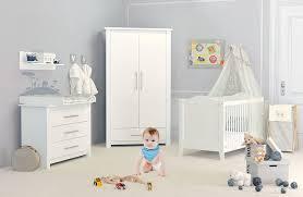 chambre bébé chambre bébé blanche cocoon design ambiance chic pour pas cher