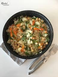 faire revenir en cuisine riz pilaf aux légumes pois chiches et saumon fumé et sa