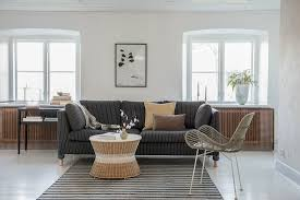 wohnzimmer in naturtönen mit weißem bild kaufen