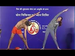 Baba Ramdev Funny Yoga Session With Shilpa Shetty 2016