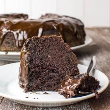 saftiger schoko kuchen mit glasur