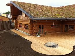 blockhaus naturstammhaus aus rundholz midsummer cottage