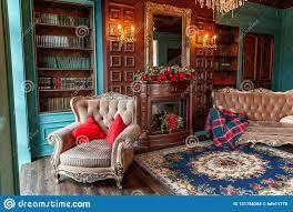klassischer luxusinnenraum der hauptbibliothek wohnzimmer
