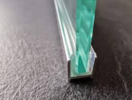 alu u wandprofil profil mit l vinyl und kederstab zur befestigung feststehender scheiben ohne silikon nr duc516 duc38