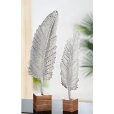 gilde dekoobjekt skulptur feder auf base höhe 65 5 cm aus metall sockel aus holz wohnzimmer