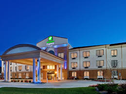 Holiday Inn Express & Suites St Charles Hotel by IHG