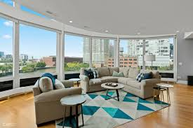 100 Chicago Penthouse 600 North Kingsbury 506 IL 60654 River North