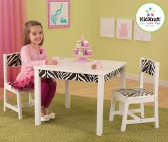 Pkolino Table And Chairs Amazon by Kidkraft Fun And Funky Table And Chair Set 21325
