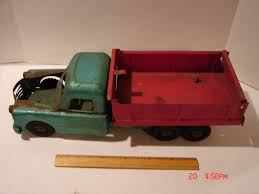 Toy Truck: Structo Toy Truck Parts 1950s Structo Hydraulic Toy Dump Truck Vintage Light 992 Lot 569 Toys No7 City Of Toyland Pressed Steel Utility Farm White Colored Hard Plastic Lamb Accessory Corvantics Corvair95 Vintage Structo Toys Pressed Steel Truck And Trailer Model Antique Toy Livestock Vintage Metal Toy Wrecker Truck Oilgas Red Good Hilift High Lift Lever Action Blue And Yellow 1967 Turbine 331 Auto Transporter Wcars Ramp Colctibles Signs Gas Oil Soda