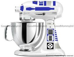bring the to snack time thanks to this r2 d2 popcorn