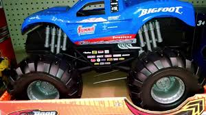 ROAD RIPPERS - BIG FOOT MONSTER TRUCK - LARGE TOY - TOY REVIEW ...