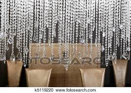 esszimmer kristall le goldenes stühle stock bild