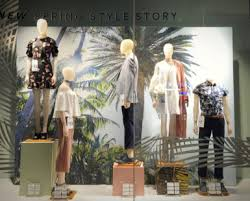 Spring Window Displays That Grab Attention