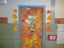 easter and spring door decorations some nice looking easter door