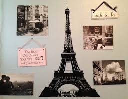 Paris Themed Bathroom Rugs by Recycled Frame With Peg Hook Ledge In A Paris Themed Bathroom