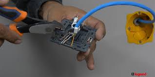 installer une prise électrique rj 45 espace grand legrand