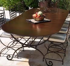 ensemble table en fer forgé avec 2 fauteuils et 6 chaises haut de