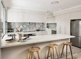 fliesenspiegel in der küche ideen mit patchwork mustern