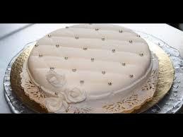 deco gateau en pate a sucre décoration gâteau avec une pâte à sucre