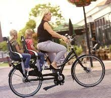 siege bébé velo vélo avec 2 sièges enfants sur le porte bagage arrière