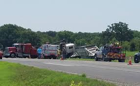 100 595 Truck Stop One Person Killed In Major Crash On Highway 7 In Robertson County