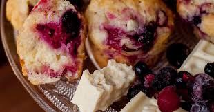 süßes leibgericht beeren muffins mit weißer schokolade