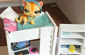 lps diy how to make an lps bunkbed with desk littlest pet shop