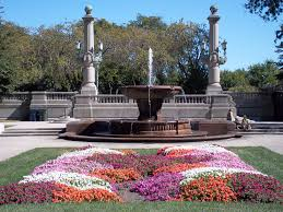 File Fountain and garden in Grant Park Chicago100 0026 JPG