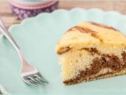 luftiger zebrakuchen mit sahne