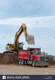 Caterpillar Excavator Loads Up A Peterbilt Dump Truck On Re-use Pile ... Trucks For Sales Peterbilt Dump Sale 377 Used On Buyllsearch Truck 88mm 1983 Hot Wheels Newsletter 2017 Peterbilt 348 Auction Or Lease Bartonsville In Virginia 2010 365 60121 Miles Pacific Wa 1991 378 Tandem Axle Sn 1xpfdb9x8mn308339 California Driver Job Description Awesome For