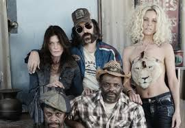 Rob Zombie Halloween 3 Cast by 31 Cast Photo Shows Sheri Moon Zombie In Character Dread Central