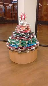 Christmas Tree Books Pinterest by 50 Best Displays Images On Pinterest Library Ideas Books And