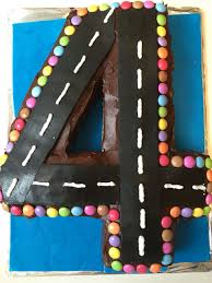 birthday cake 4 years race track cars road rennwagen