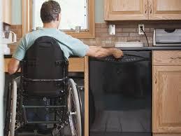 cuisine pour handicapé quelles dimensions pour une cuisine adaptée aux pmr