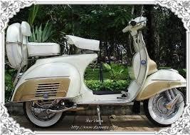 Elegant Classic Vespa