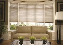Living Room Curtain Ideas With Blinds by Best 25 Bow Window Treatments Ideas On Pinterest Bow Window