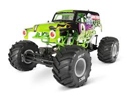 The Monster – Axial SMT10 Grave Digger Monster Jam Truck Review | RC ...