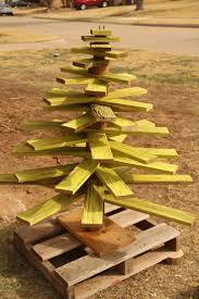 Seashell Christmas Tree Pinterest by 204 Best Unique Christmas Trees Images On Pinterest Xmas Trees