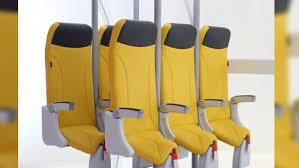 siege pour italienne un fabricant italien dévoile un siège pour voyager debout en avion